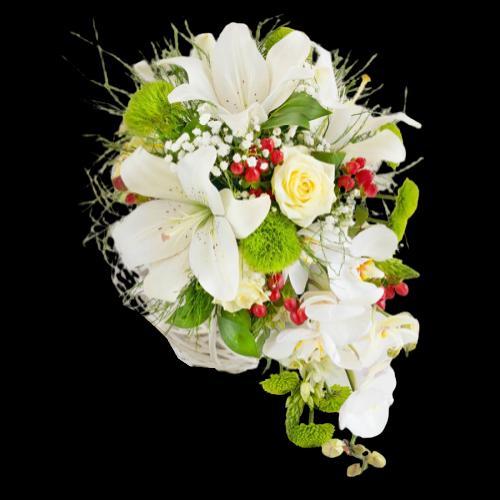 düğüne gönderilen beyaz çiçek buketleri