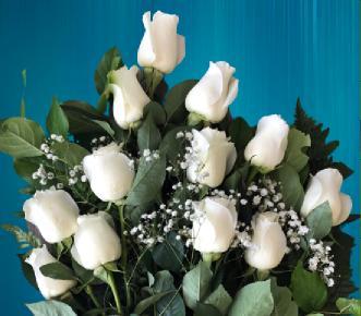 düğüne gönderilen çiçekler beyaz gül