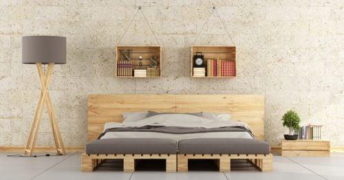 tahta paletle yatak odası